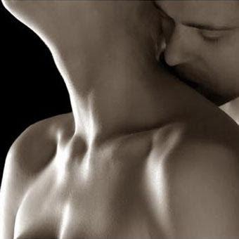 ¿Cuales son las mejores formas de besar el cuello ?